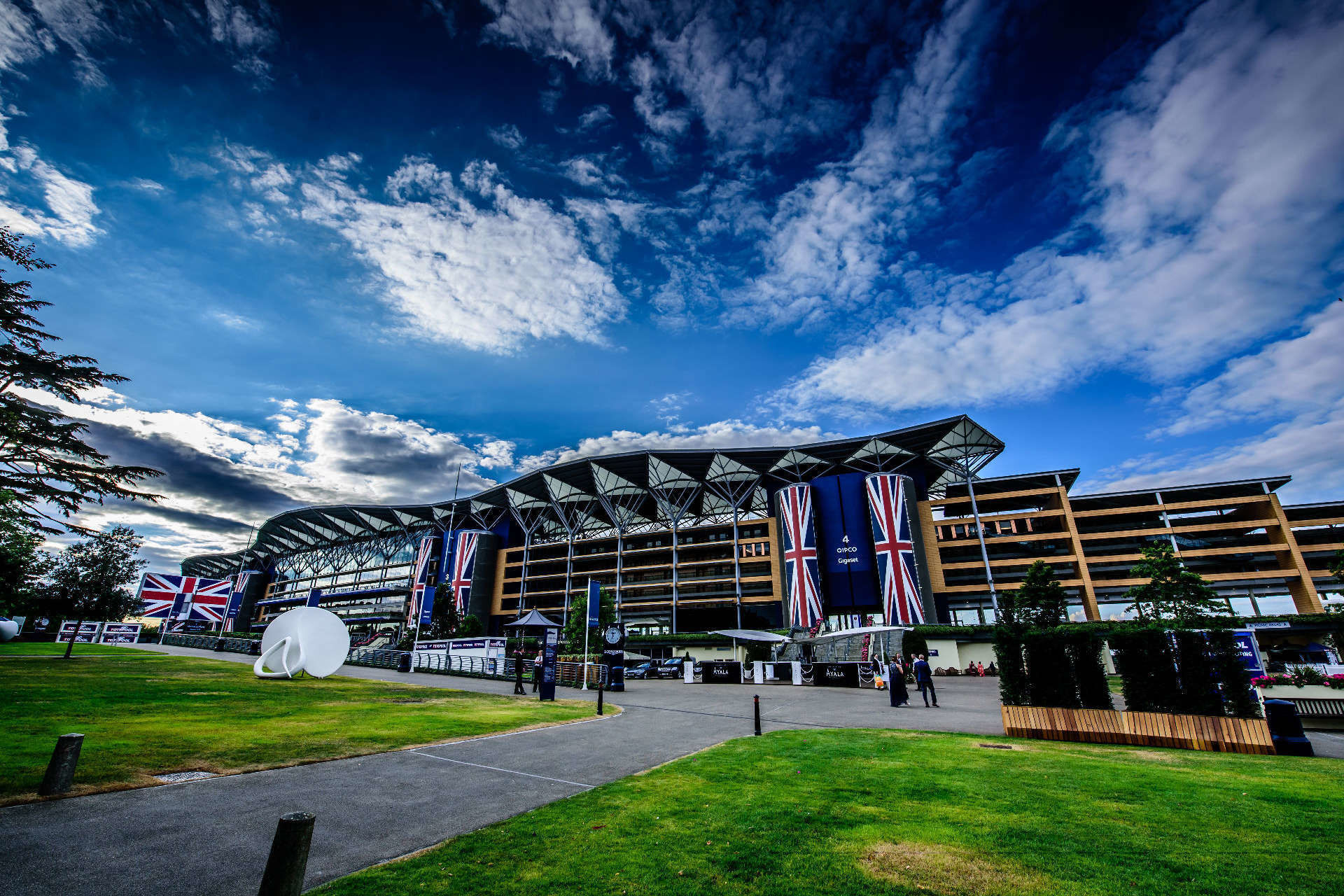 Ascot Racecourse - The Furlong Club Marquee Venues